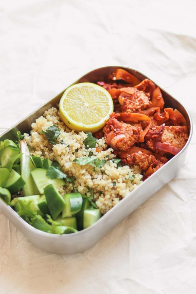 Quinoa And Tempeh With Tomato Sauce